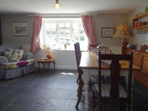 Chapel Cottage, Bideford, Ferienhäuser  Welcombe - big - 8