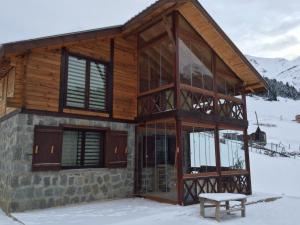 Azra Dağ Evi̇, Alpesi faházak  Güzelce - big - 4