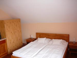 Ciklámen apartman, Appartamenti  Gyenesdiás - big - 23