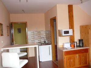 Ciklámen apartman, Appartamenti  Gyenesdiás - big - 22