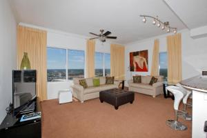 Two-Bedroom Apartment with Gulf View - 2800