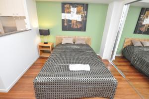 Sydney CBD Self-Contained Studio Apartment (2806PT)