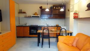Villa Panoramica Belvedere, Apartmanok  Scontrone - big - 30