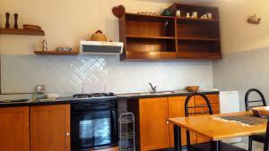 Villa Panoramica Belvedere, Apartmanok  Scontrone - big - 31