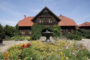 Kiermusy Dworek nad Łąkami, Guest houses  Kiermusy - big - 1