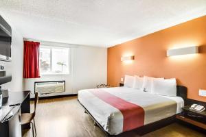 Motel 6 Carson, Hotels  Carson - big - 9