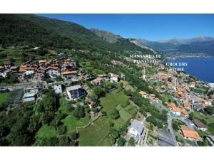Mansarda Di Pianello, Ferienwohnungen  Pianello Del Lario - big - 12