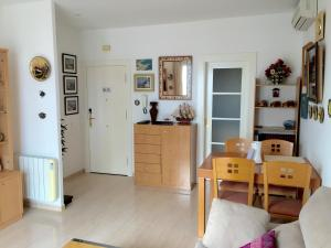 Sitges Seafront Apartment, Apartmány  Sitges - big - 36