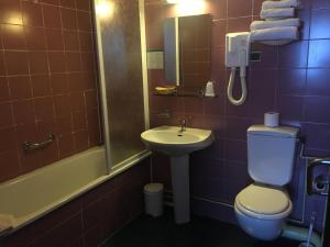 Two Adjoining Double Rooms