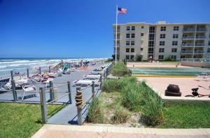 Sea Coast Gardens III 101, Dovolenkové domy  Edgewater - big - 4