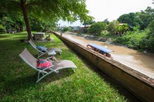 Třílůžkový pokoj s výhledem na řeku
