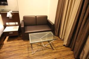 Hotel Golden Grand, Hotels  New Delhi - big - 19