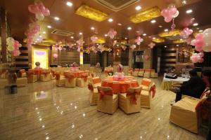Hotel Golden Grand, Hotels  New Delhi - big - 50