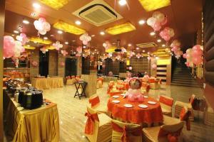 Hotel Golden Grand, Hotels  New Delhi - big - 44