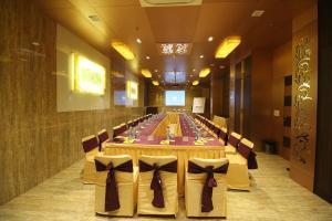 Hotel Golden Grand, Hotels  New Delhi - big - 53