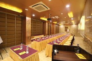 Hotel Golden Grand, Hotels  New Delhi - big - 52