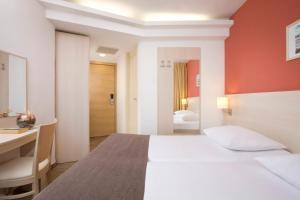 Valamar Crystal Hotel (30 of 32)