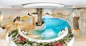 Alpen Hotel Corona, Hotely  Vigo di Fassa - big - 67