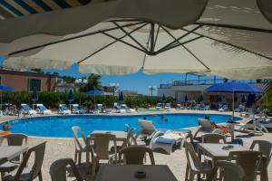 Hotel Ristorante Panoramico, Hotely  Castro di Lecce - big - 43