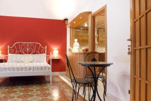 B&B Maia House, Bed and breakfasts  Santo Stefano di Camastra - big - 2