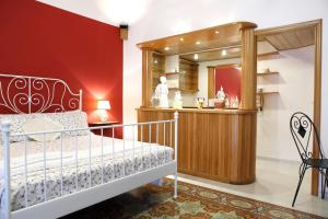 B&B Maia House, Bed and breakfasts  Santo Stefano di Camastra - big - 18