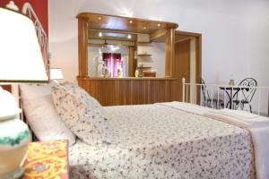 B&B Maia House, Bed and breakfasts  Santo Stefano di Camastra - big - 7