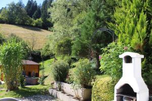 Haus am Wald, Apartmány  Baiersbronn - big - 37