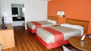 Motel 6 Natchitoches La, Hotel  Natchitoches - big - 3