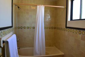 Hotel Quintas Papagayo, Hotels  Ensenada - big - 74