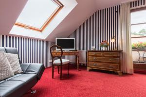 Hotel-Restaurant Vinothek Lamm, Hotel  Bad Herrenalb - big - 6