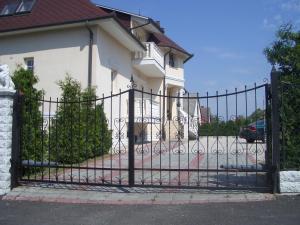 Hegyi Panzió, Guest houses  Hévíz - big - 15