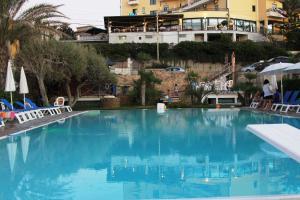 Hotel Za Maria, Hotel  Santo Stefano di Camastra - big - 42