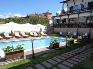 Einstein House & Spa, Penziony  Marchevo - big - 33