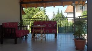 Apartment Forest and Lake, Apartments  Lagadin - big - 5