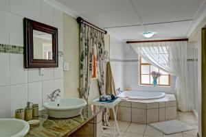 Berluda Farmhouse and Cottages, Ferienwohnungen  Oudtshoorn - big - 48