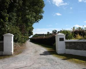 Grove Wellness Centre B&B, Bed and Breakfasts  Shanballymore - big - 53