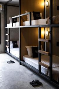 Private Room with Bunk Beds (6 Adults)