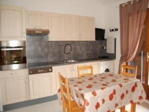 Rental Apartment Les Captivantes 1, Апартаменты  Пор-Лекат - big - 9