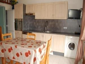 Rental Apartment Les Captivantes 1, Апартаменты  Пор-Лекат - big - 4
