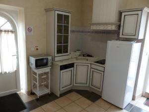 Domaine de La Corbe, Bed and Breakfasts  Bournezeau - big - 10
