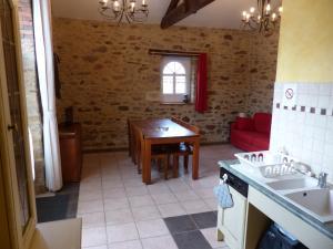 Domaine de La Corbe, Bed and Breakfasts  Bournezeau - big - 41