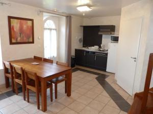 Domaine de La Corbe, Bed and Breakfasts  Bournezeau - big - 37