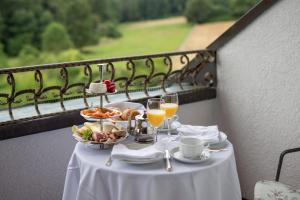 Hotel-Restaurant Vinothek Lamm, Hotel  Bad Herrenalb - big - 19
