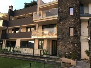 Residence Le Terrazze Appartamento Paradise, Perledo, Italy | J2Ski