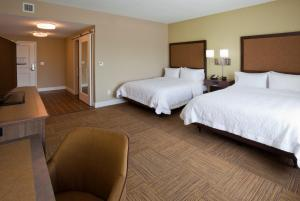 Queen Room with Two Queen Beds - Hearing Access