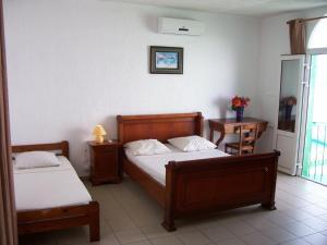Hotel Le Nathania, Hotely  Saint-Pierre - big - 11