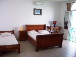 Hotel Le Nathania, Hotely  Saint-Pierre - big - 13