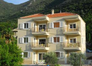 Hera Apartment
