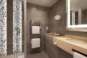 Double or Twin Room with Shower (2 Adults max)