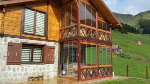 Azra Dağ Evi̇, Alpesi faházak  Güzelce - big - 5
